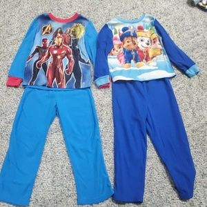 8 pairs of boys 5T fleece 2 piece pajamas